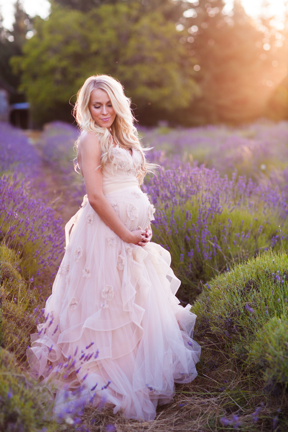 Whimsical maternity shoot ombrellifo Image collections